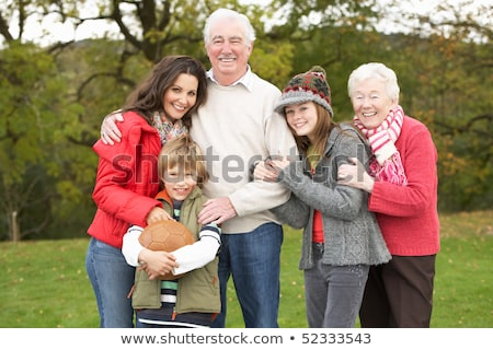 Grands-parents petits enfants mère football sur Photo stock © monkey_business
