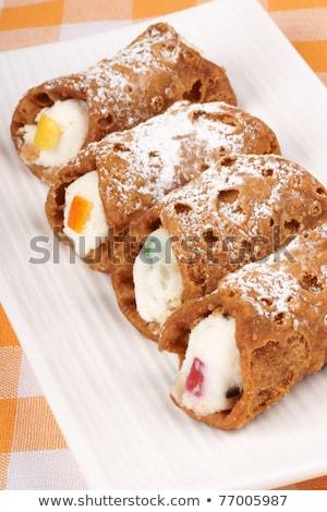 eredeti · mini · közelkép · fehér · tányér · sütemények - stock fotó © aladin66