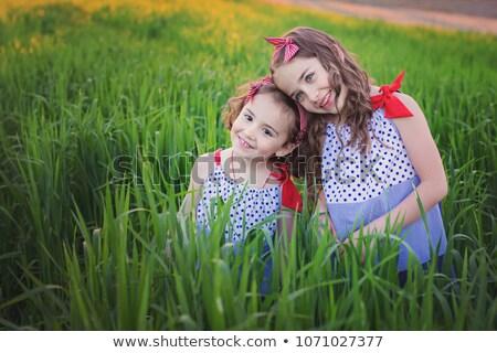 Kettő nővérek estélyi ruha fehér lány nők Stock fotó © RuslanOmega