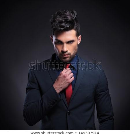 Stockfoto: Mannelijk · model · zwart · pak · Rood · stropdas · sluiten