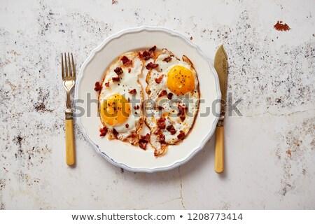 Twee vers eieren knapperig spek Stockfoto © dash