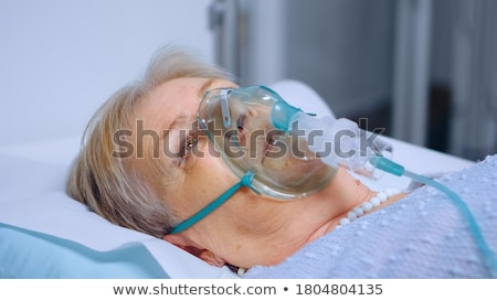 Orvos oxigénmaszk beteg kórház szoba gyógyszer Stock fotó © wavebreak_media