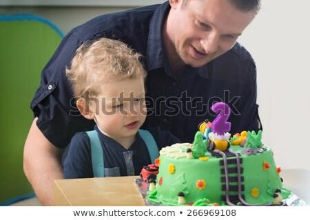 Kaukasisch jongen vieren tweede verjaardag weinig Stockfoto © RAStudio