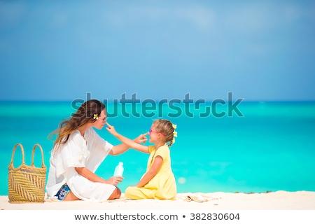 Mutter · Tochter · Strand · Mädchen · Fisch · Meer - stock foto © photography33