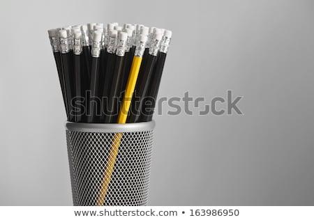 oneven · een · uit · Geel · pennen - stockfoto © johanh