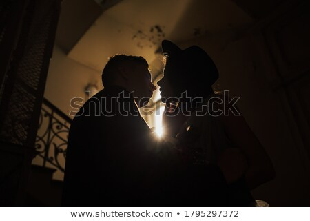 Foto stock: Belo · casal · silhueta · janela · noiva · noivo
