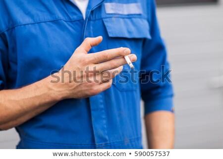 Sigara içme sigara hizmet tamir Stok fotoğraf © dolgachov