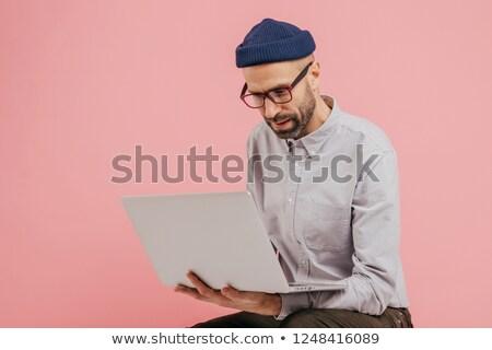 Coup réussi publication informations ordinateur portable Photo stock © vkstudio