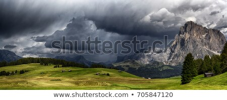 Nubes de tormenta montanas luna Uganda nubes naturaleza Foto stock © wildnerdpix