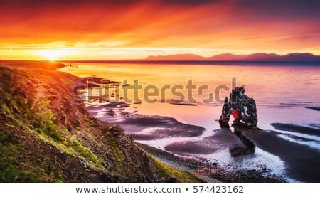 éjfél naplemente Izland gyönyörű természet tenger Stock fotó © elxeneize