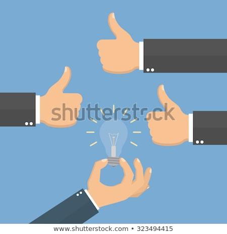 Stock fotó: Nagyszerű · ötlet · hüvelykujj · felfelé · szimbólum · villanykörte