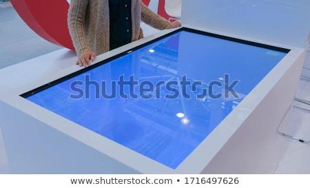 Stock fotó: Kezek · megérint · interaktív · asztal · férfi · kék