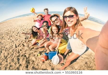 Stockfoto: Gelukkig · vrienden · zomer · strand · vriendschap