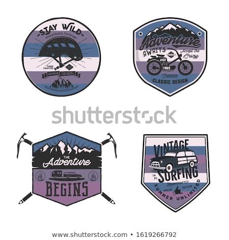 ヴィンテージ キャンプ ロゴス 山 バッジ セット ストックフォト © JeksonGraphics