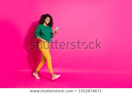 mulher · jovem · rosa · celular · caminhada · telefone · móvel · mulher - foto stock © adamr