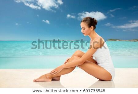 nő · lábak · fürdőkád · női · borotva · krém - stock fotó © nejron