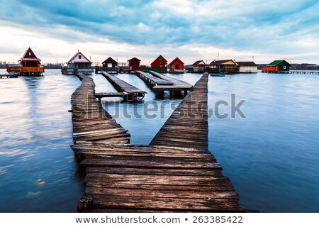 oud · hout · cabine · Blauw · meer · oude · verlaten - stockfoto © fesus