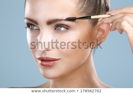 mulher · sobrancelha · escove · sorrindo · sorridente · menina - foto stock © monkey_business