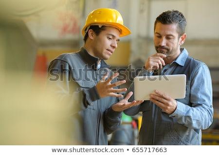 trabalhadores · falante · armazém · reunião · gerente · em · pé - foto stock © is2