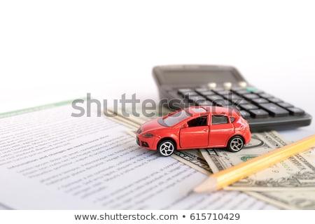 Foto stock: Modelo · carros · notas · dez · isolado · dinheiro