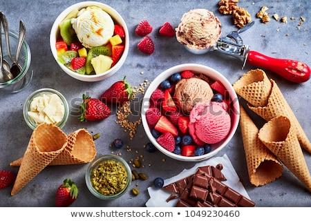 Csokoládé fagylalt friss málna merítőkanál desszert Stock fotó © Digifoodstock