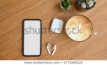 frescos · croissants · café · auriculares · mesa · de · madera - foto stock © rafalstachura