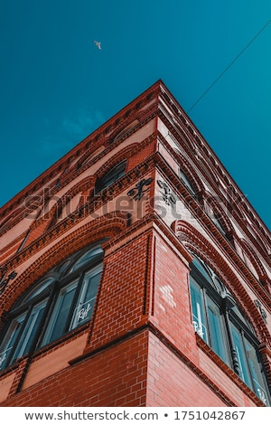 Kırmızı Bina fotoğraf gri şehir sokak Stok fotoğraf © Artlover