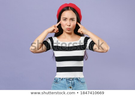 Retrato chateado mulher jovem boina em pé Foto stock © deandrobot