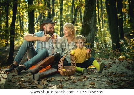 Foto stock: Família · crianças · piquenique · primavera · comida