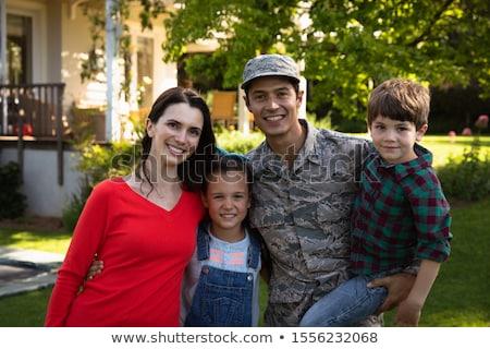 Portré család hadsereg apa otthon búcsú Stock fotó © HighwayStarz