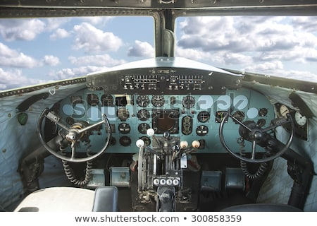 Velho avião cabine do piloto pormenor tecnologia janela Foto stock © Witthaya