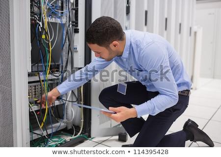 Férfi szerverek táblagép adatközpont építkezés munka Stock fotó © wavebreak_media
