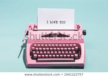 jornalista · trabalhando · retro · máquina · de · escrever · jovem · escrita - foto stock © rastudio