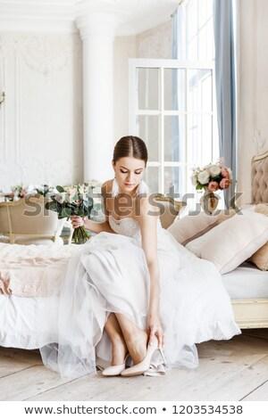 sposa · bianco · scarpe · piedi · donna · mano - foto d'archivio © ruslanshramko