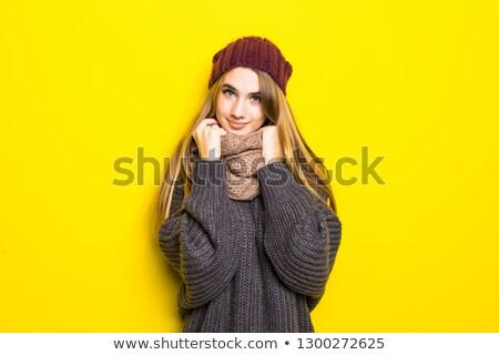 Niezadowolony zamrożone kobieta szalik hat Zdjęcia stock © deandrobot