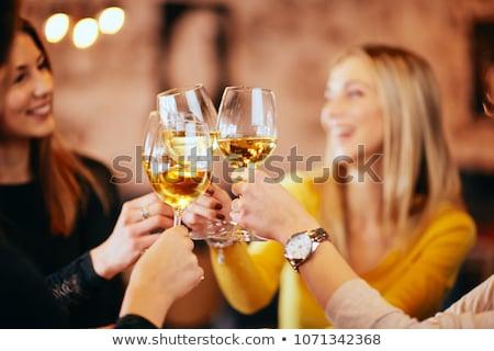 Stock fotó: Lány · iszik · fekete · sziluett · üveg · asztal