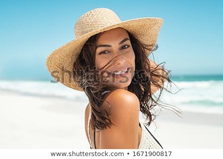 verano · retrato · hermosa · despreocupado · mujer - foto stock © HASLOO