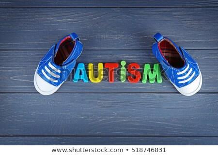 Kid Schuhe Wort helfen Holztisch Büro Stock foto © fuzzbones0