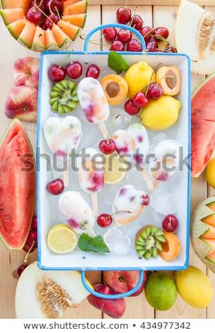 Caseiro congelada fresco maduro rosquinha pêssegos Foto stock © BarbaraNeveu