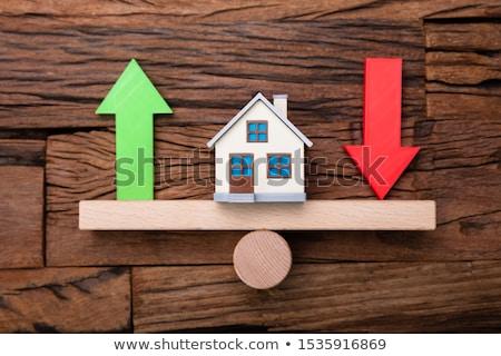 Omhoog beneden pijlen huis wip houten Stockfoto © AndreyPopov