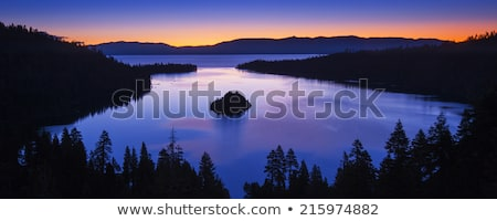 Stockfoto: Emerald · zonsopgang · meer · hemel · berg · zomer