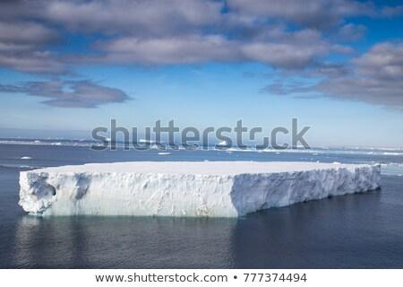 büyük · buzdağı · parça · kıta · buz · raf - stok fotoğraf © timwege