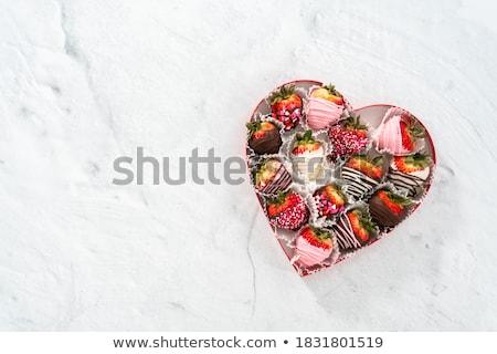 チョコレートシロップ · 詳細 · ダークチョコレート · ソース · チョコレート · 液体 - ストックフォト © id7100