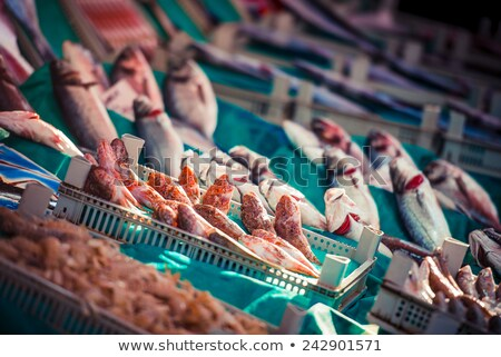 свежие · красный · продажи · рыбы · рынке · Венеция - Сток-фото © elxeneize