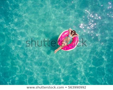 illustratie · vrouw · zwempak · hoed · zak · handdoek - stockfoto © jossdiim