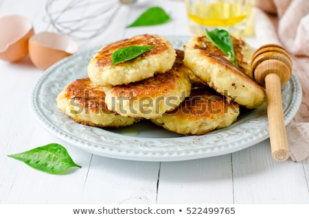 Süzme peynir beyaz ahşap mutfak kahvaltı Stok fotoğraf © yelenayemchuk