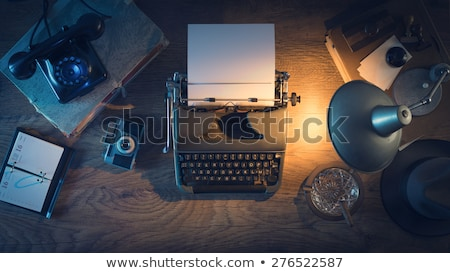 Pisarz dziennikarz vintage pulpit maszyny do pisania kamery Zdjęcia stock © stokkete