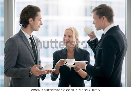 ストックフォト: オフィスワーカー · コーヒーブレイク · ビジネス · 男 · スーツ · 通信