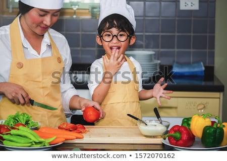 Zoon proeverij voedsel keuken man Stockfoto © wavebreak_media