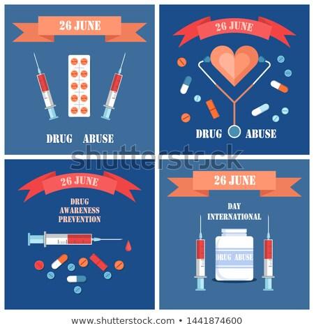 Foto stock: Prevención · conciencia · carteles · establecer · jeringa · pastillas